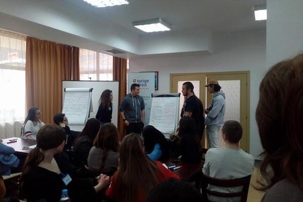 """Младежка дискусия """"Социална справедливост, борба с бедността и социалното изключване"""""""