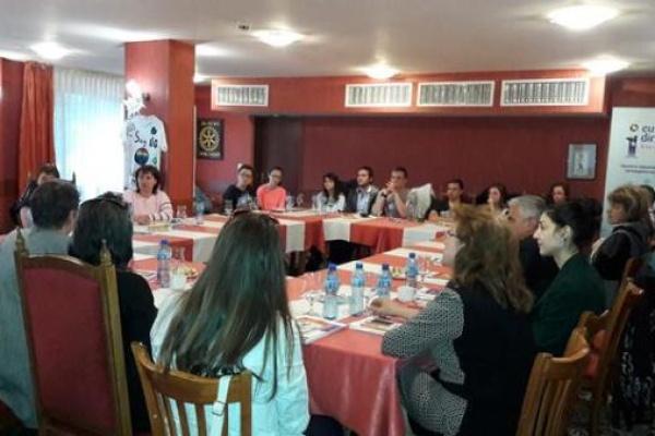 """Европейският информационен център """"Европа Директно"""" в Смолян проведе полезна среща-дискусия как да се въвеждат и разбират темите за миграцията и човешките права сред подрастващите"""